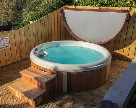 Wizard Hot Tubs: Product image 1